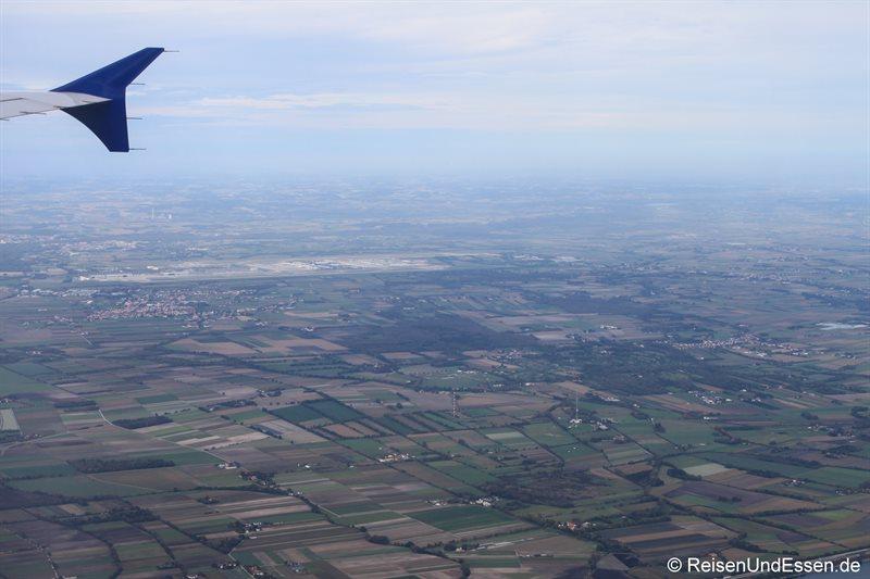 Anflug auf den Flughafen München mit Condor