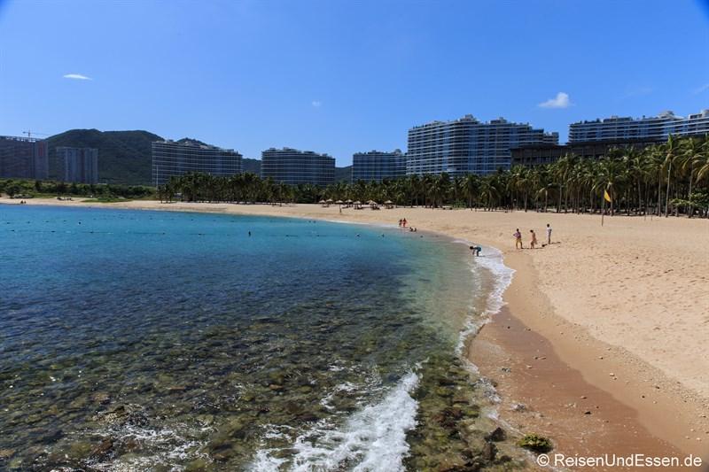 Strand in der Bucht von Xiao Dadonghai (Richtung Westen)