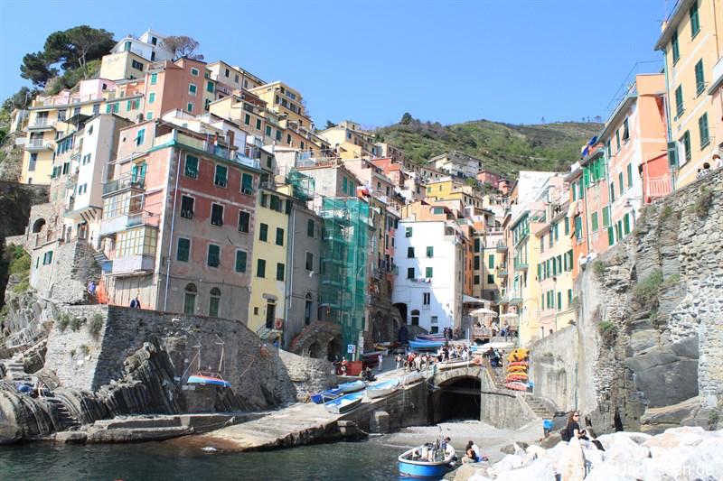 Blick auf Riomaggiore in den Cinque Terre