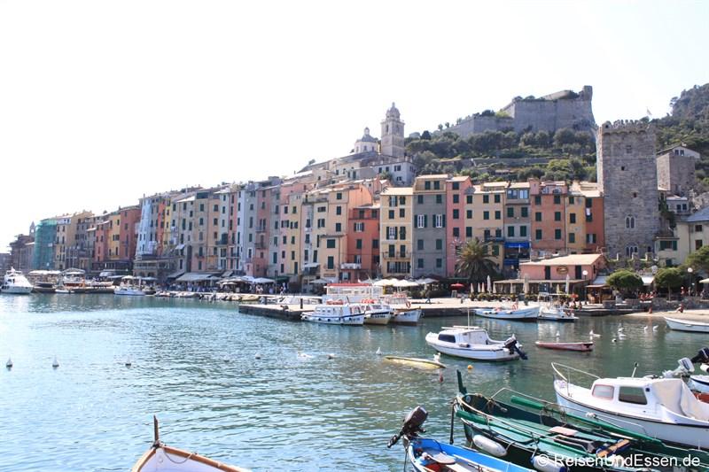 Hafen und Häuser von Portovenere