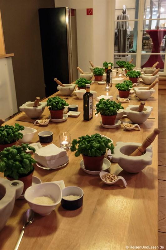 Kustermann Kochschule: Zubereitung von Pesto