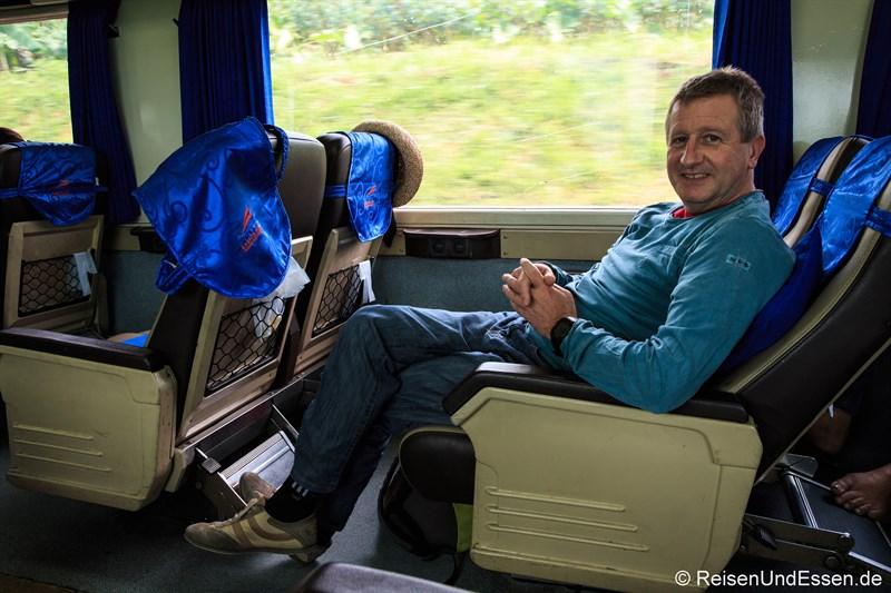 Entspannte Anreise nach Surabaya für Erlebnis Bromo
