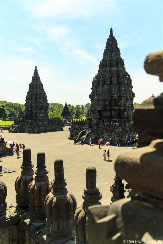 Blick auf die Tempel von Prambanan