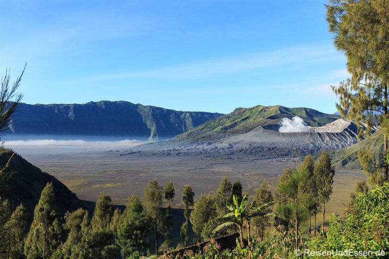 Rauchwolke am Vulkan Bromo