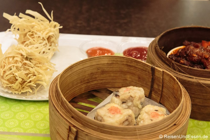 Dim Sum im Food Center in Surabaya