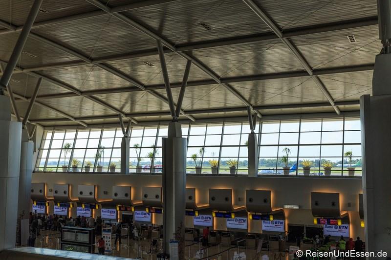 Abflughalle Flughafen Surabaya