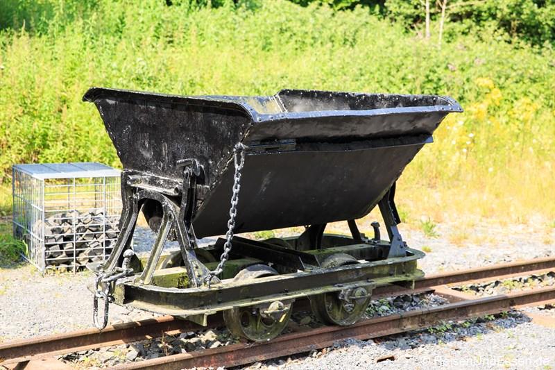 Lore zum Transport von Basalt