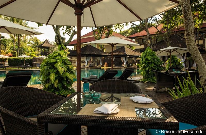 Frühstück im Club InterContinental Pool