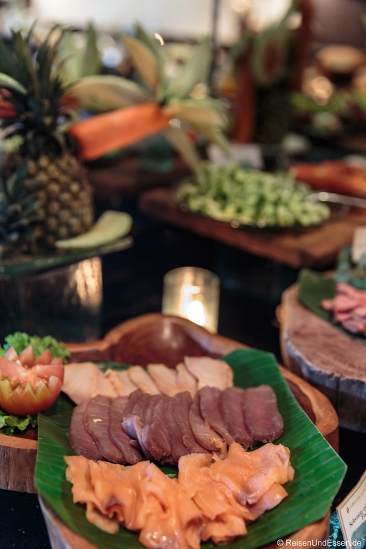Lachs und Thunfisch in der Club InterContinental Lounge