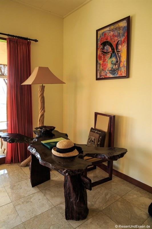Schreibtisch im Green Field Hotel Ubud