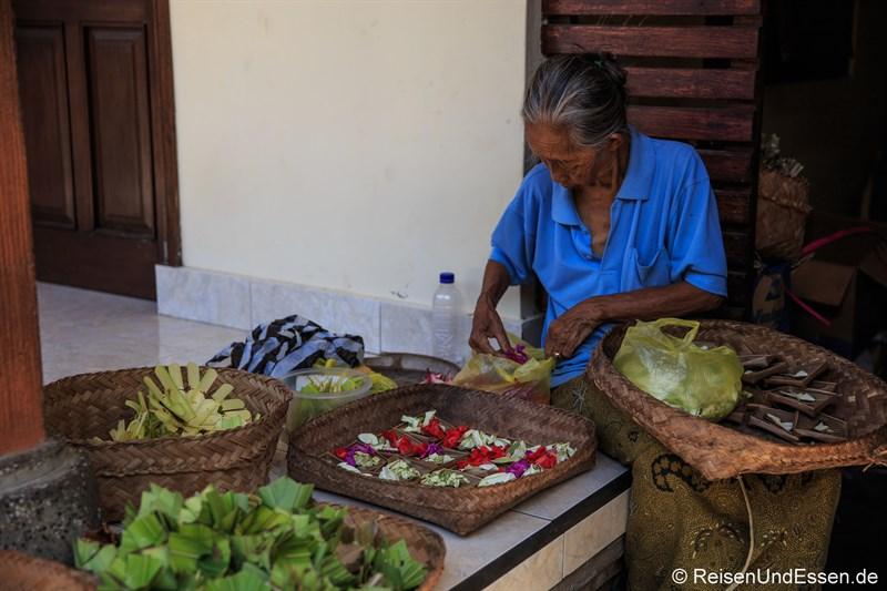 Verkäuferin in Ubud