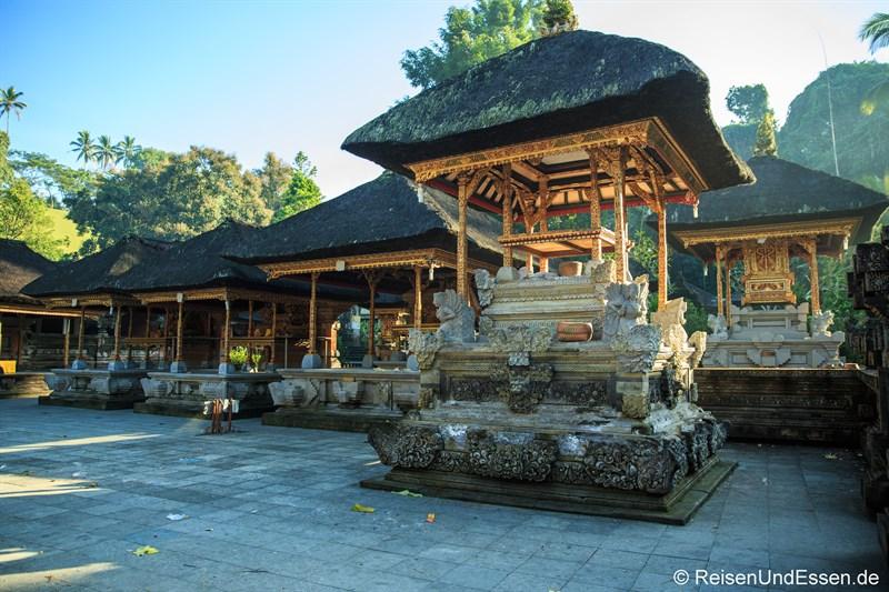 Pavillons und Schreine