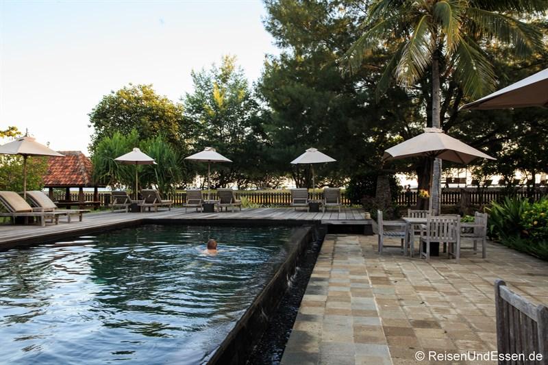 Pool im Desa Dunia Beda Resort auf Gili Trawangang