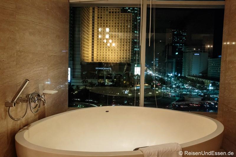 Badewanne im Executive Grand Deluxe Zimmer
