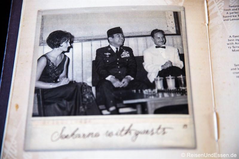 Nostalgische Bilder im Hotel Indonesia Kempinski