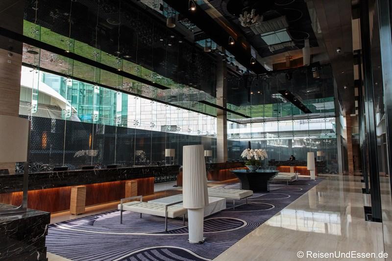 Lobby und Rezeption im Hotel Indonesia Kempinski Jakarta