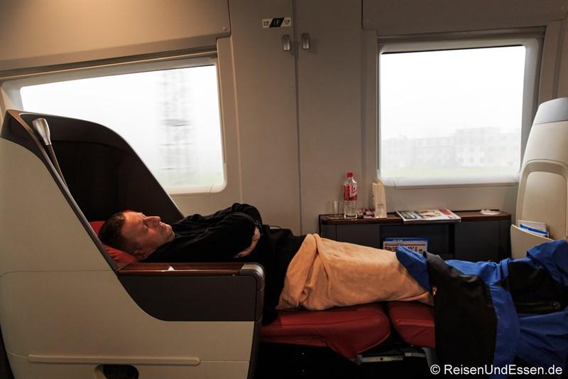 Flat Bed in der Business Class im CRH Hochgeschwindigkeitszug von Beijing nach Xiamen