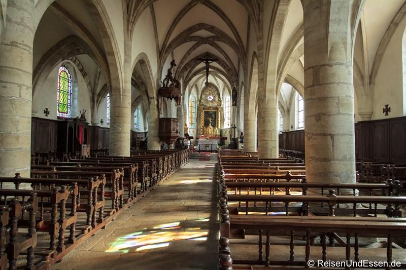 Blick in die Kirche Saint-Laurent in Mouthier-Haute-Pierre