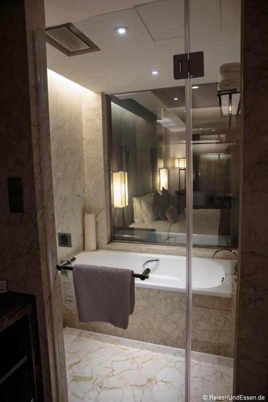 Badewanne im Luxus Zimmer