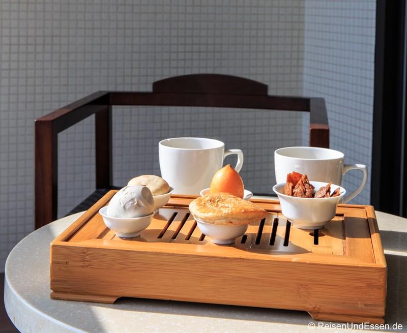 Teatime auf dem Balkon