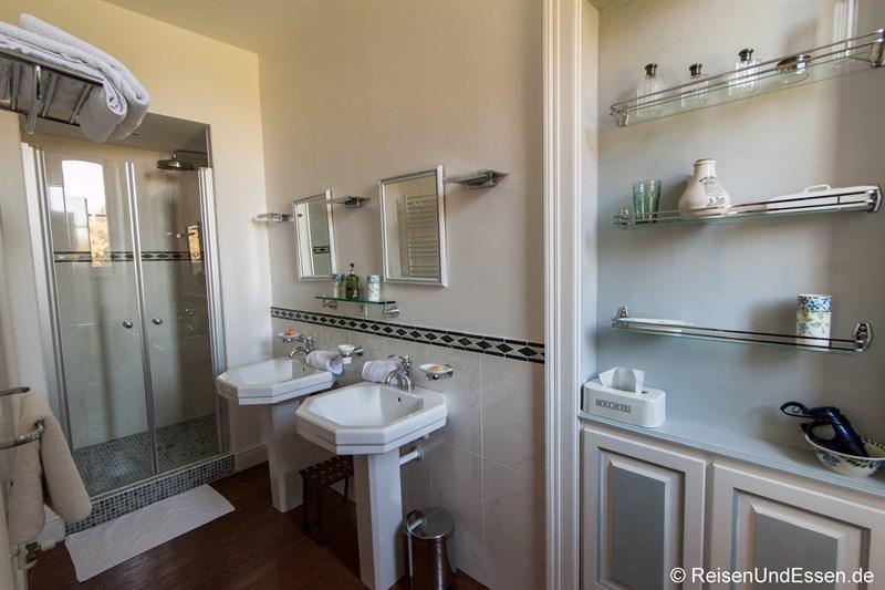 Badezimmer im L'Eveil du Village