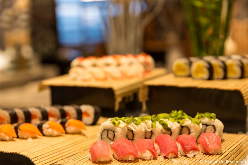 Frische Sushi im Restaurant Elements