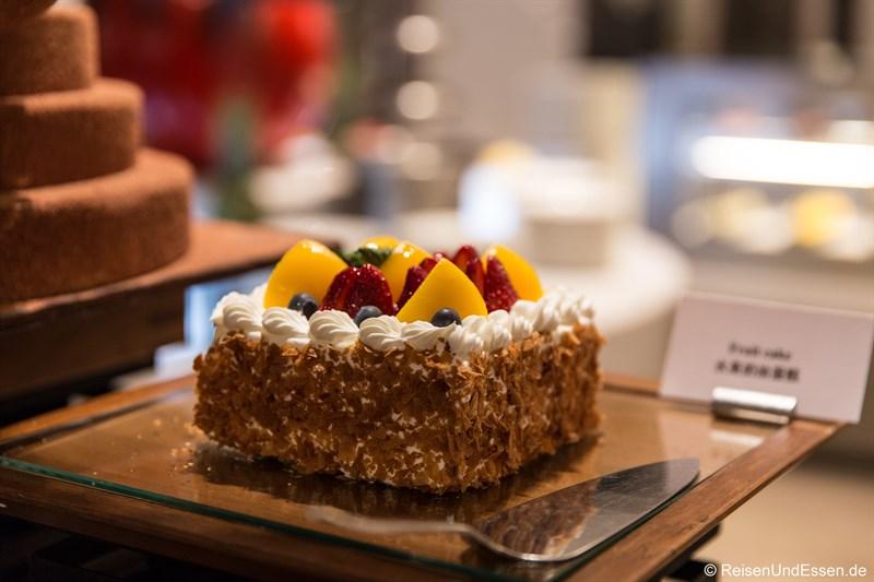 Kuchen im Kempi Deli im Sunrise Kempinski
