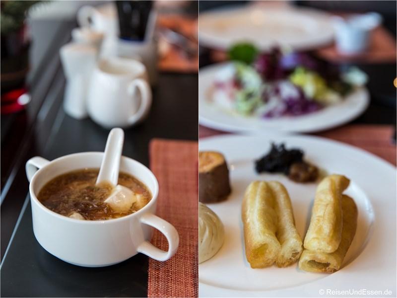 Tofusuppe und Youtiao zum Frühstück im Sunrise Kempinski