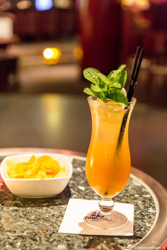 Drink in der Bar im Maritim Frankfurt