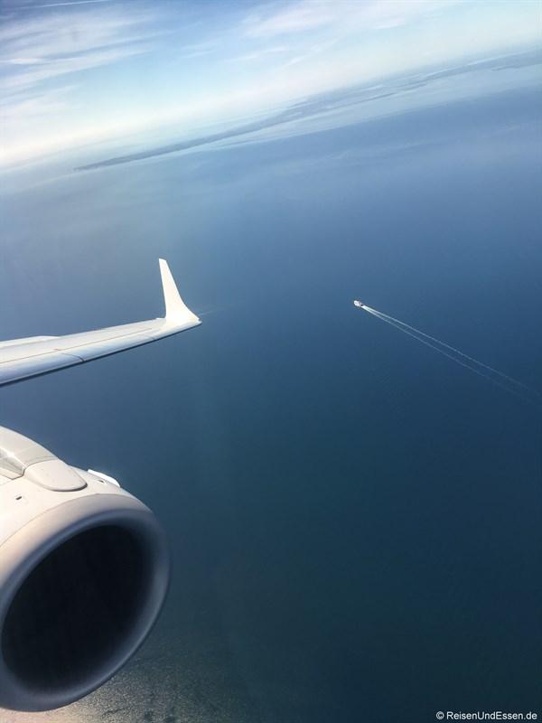 Flug über die Ostsee nach Kopenhagen - Flug von München nach Tokio