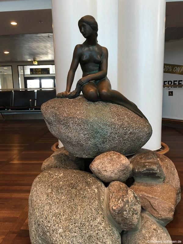 Kleine Meerjungfrau im Flughafen Kopenhagen
