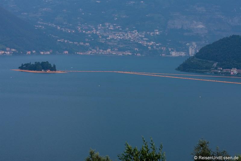 Floating Piers zwischen Monte Isola und Isola di San Paolo