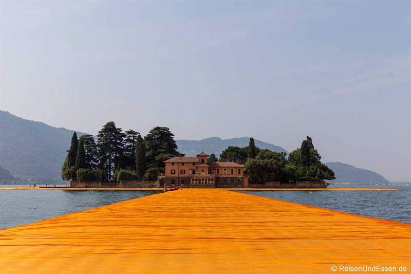 Floating Piers am Iseosee zur Isola di San Paolo