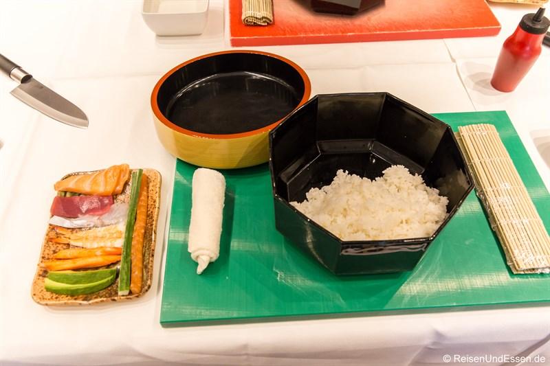 Arbeitsfläche beim Sushi Kurs