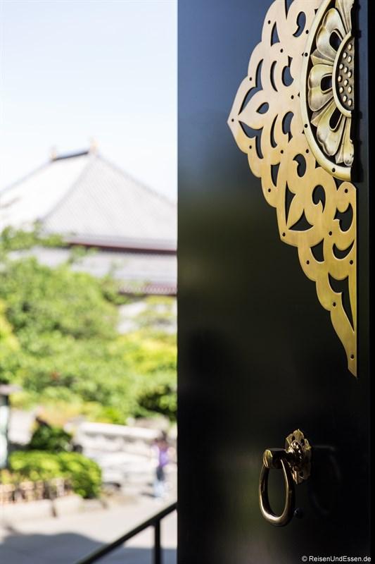 Tür beim Senso-ji Tempel