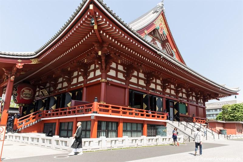 Blick auf den Senso-ji Tempel