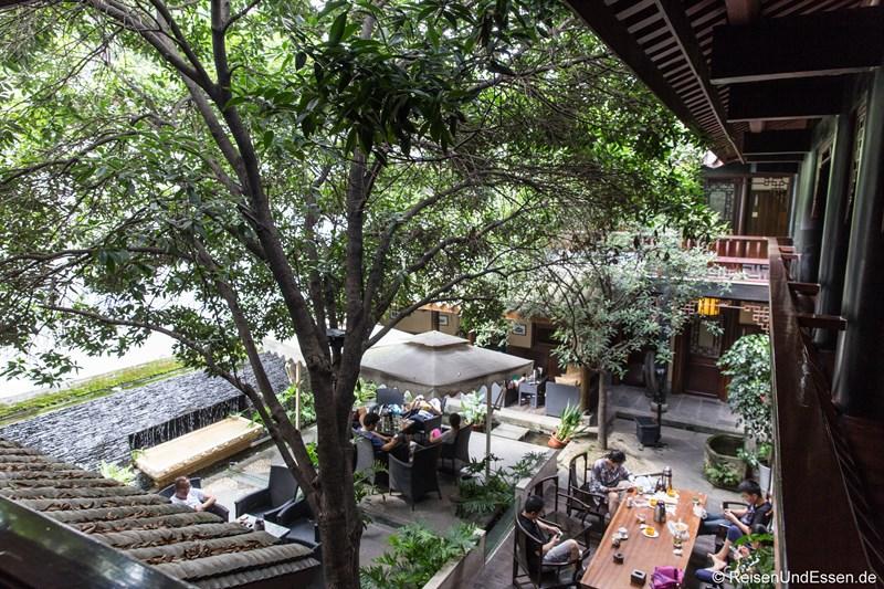 Blick in Innenhof im Hotel in Chengdu im Qing-Stil