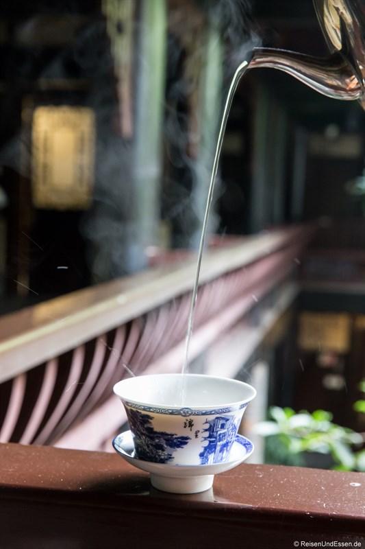 Teepause im Hotel in Chengdu im Qing-Stil