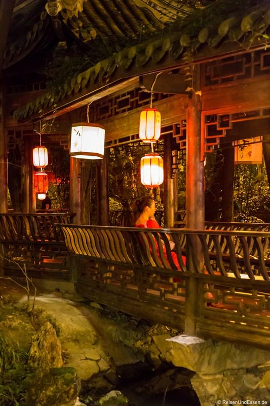 Romantisches Plätzchen in Chengdu am Abend