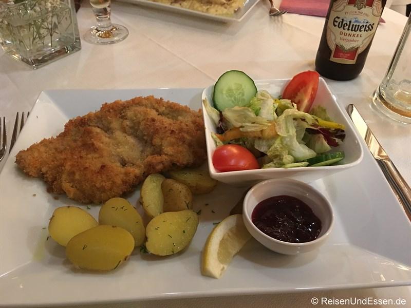 Wiener Schnitzel im Restaurant Im Kainz
