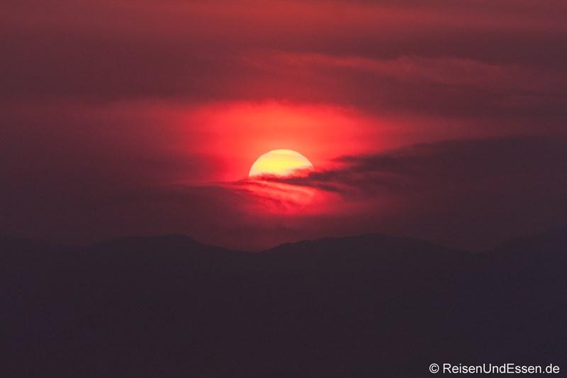 Sonnenuntergang von der Insel Enoshima oder die Suche nach dem Sonnenuntergang am Fuji