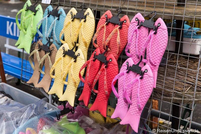 Flip Flops an einem Stand in Kamakura Hase