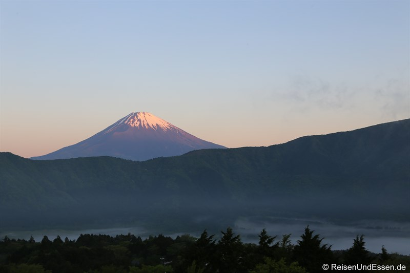 Sonnenaufgang am Fuji in Japan
