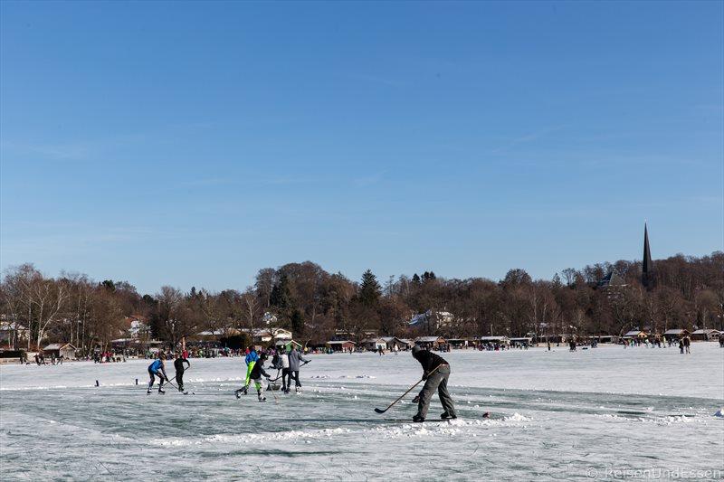 Eishockey auf dem Wörthsee