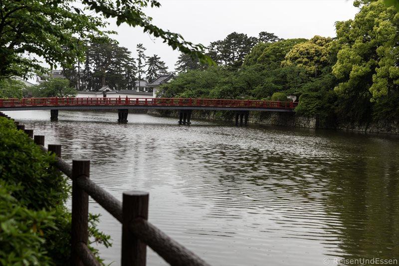 Brücke zur Burg in Odawara