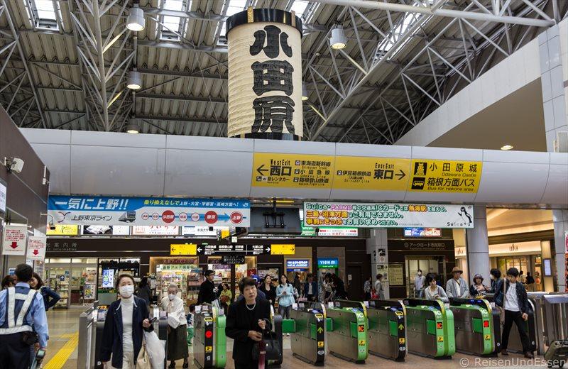 Bahnhof in Odawara