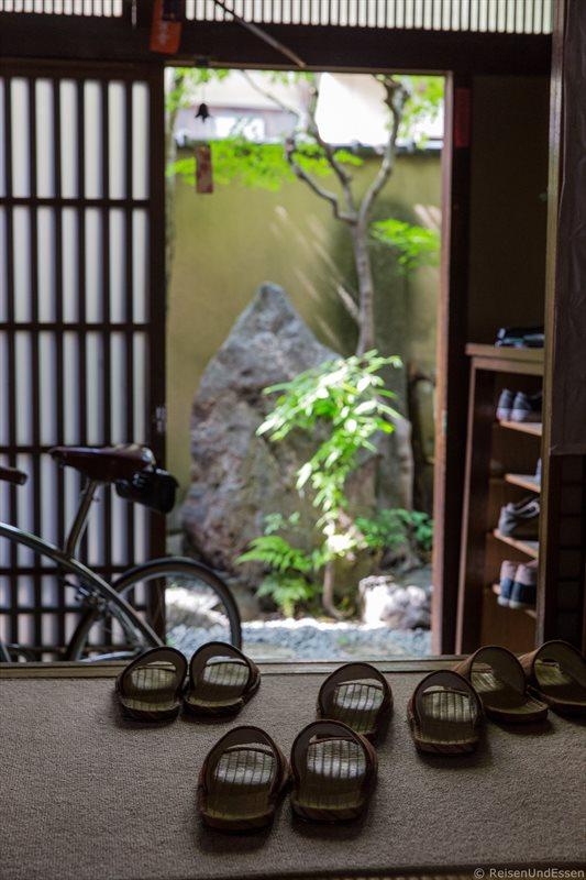 Eingang zum traditionellen Stadthaus in Kyoto