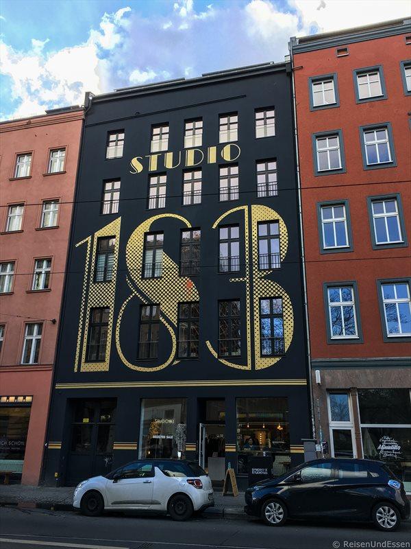 Hausfassade bei Street Food Tour Berlin Mitte