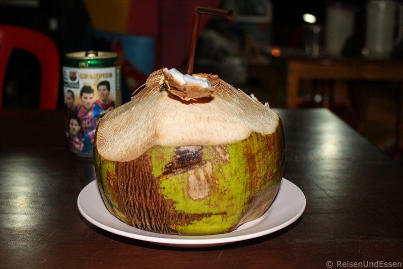 Frische Kokosnuss im Restaurant