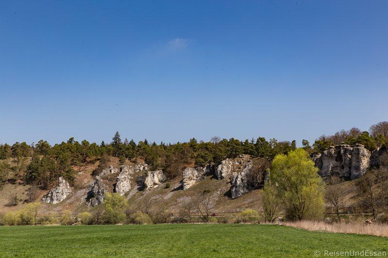 Blick auf die zwölf Apostel im Naturpark Altmühltal